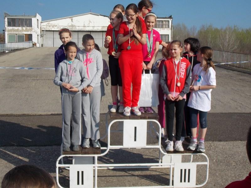 II.kcs lány csapat 2. hely Tiger Nóra Anna Porkoláb Kira Józsa Lili Haluska Réka